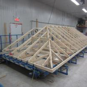 Table d'assemblage équarrissage pour fermes de toit